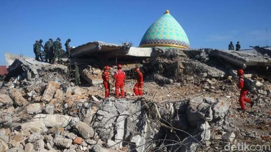 Tercatat 593 Gempa Susulan Hantam Lombok, Duka Bencana ...